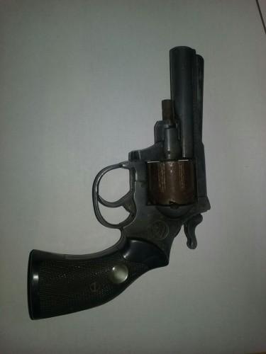 thumbnail_revolver 1